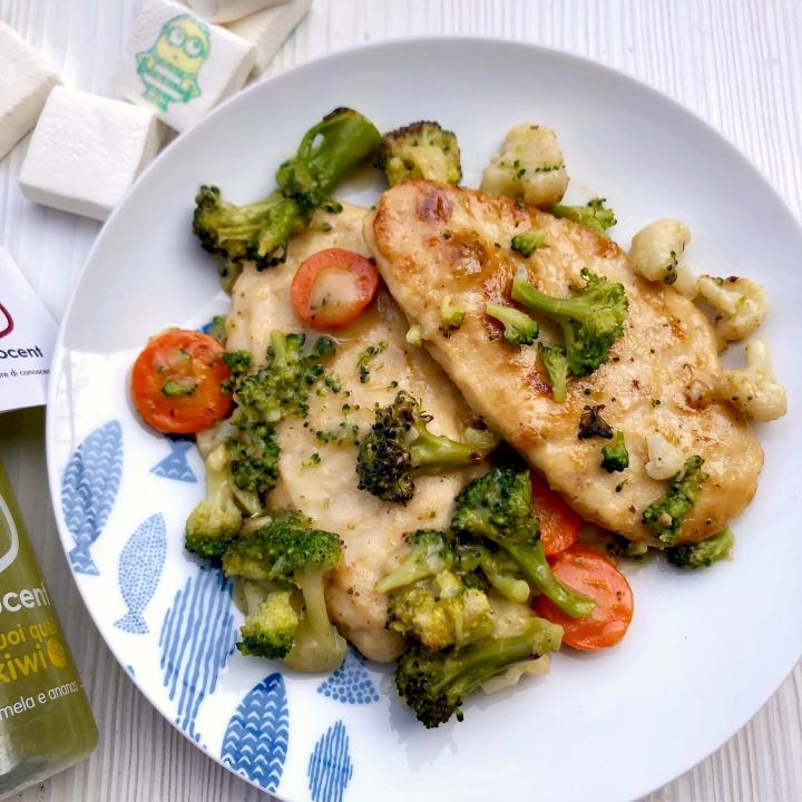 Scaloppine di pollo al limone e salvia con verduretricolore